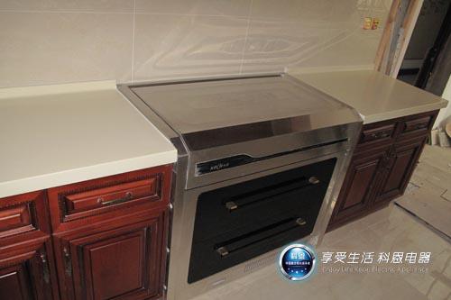 山经销商提供的集成灶实体装修效果图-厨房电器装修效果图